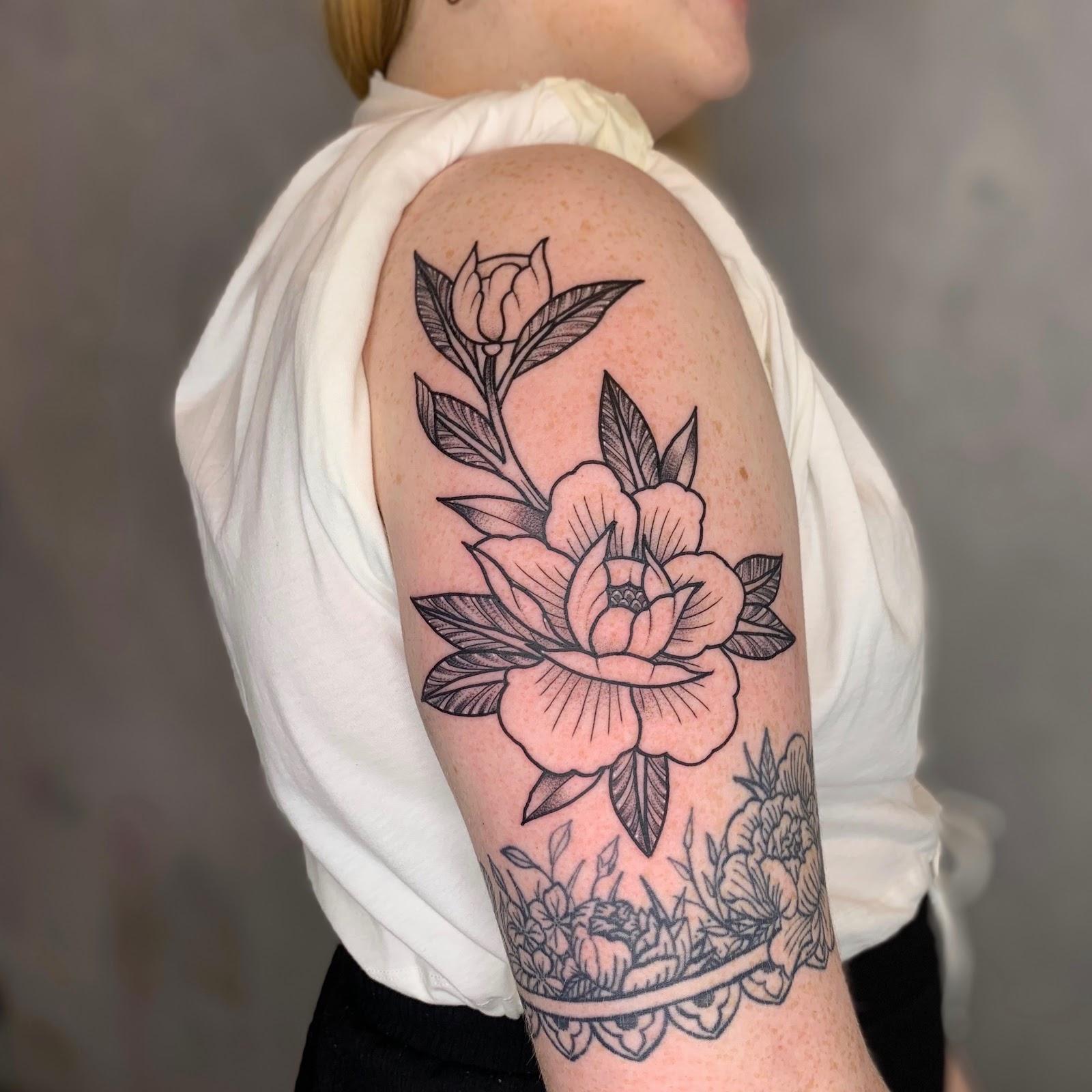 Buzz Club Tattoo Studio Top 5 Unique Traditional Flower Tattoos Tattoo Shop Leeds